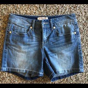 Seven7 shorts size 6